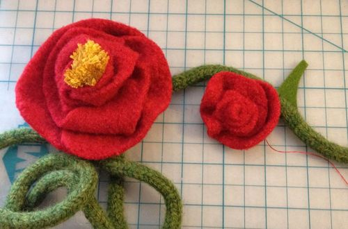 Red Felt Roses - 01